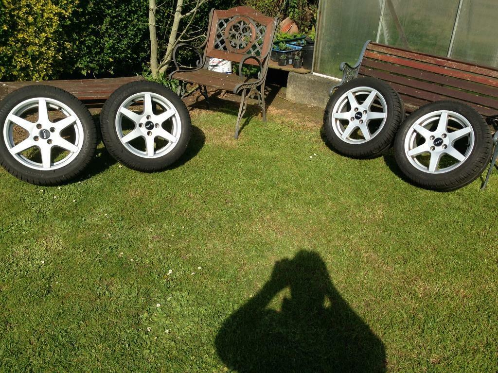 "15"" 6 spoke alloy wheels and new pirelli"