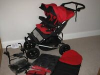 Mountain buggy Latest Version duet V2.5 with chilli seats EXCELLENT CONDITION Bought new in Dec 15