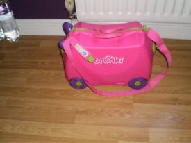 PINK TRUNKIE Trixie RIDE ON CHILDS SUITCASE WITH STRAP AND KEY VGC