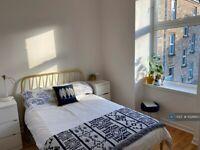 2 bedroom flat in Dover Street, Glasgow, G3 (2 bed) (#1026610)