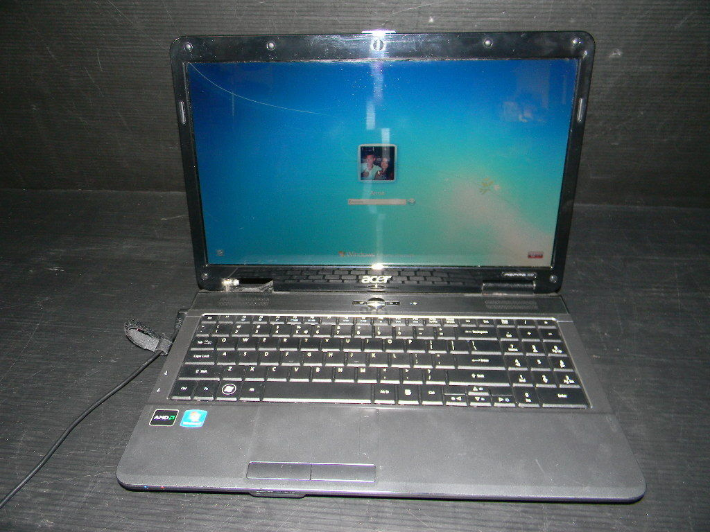 ACER ASPIRE 5532 LAPTOP WITH POWER SUPPLY PLEASE READ