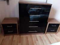 chest 5 drawers black gloss 2 bedside 2 draws black gloss red to go