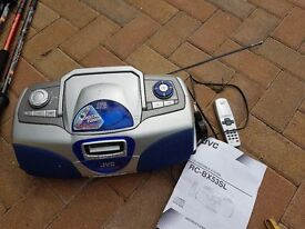 JVC radio/cassette/cd player with instructions and remote control