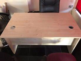 OFFICE DESKS/DESKS & TABLES EXCELLENT CONDITION