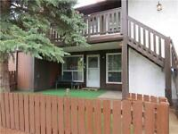 3 Bedroom Townhouse in North Edmonton, 1/2 off first month rent