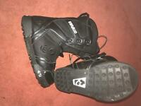 Thirtytwo black snowboard boots size 8