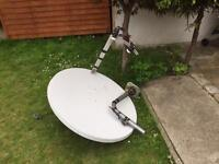 Satellite 110 dish , 2LNB+ technomate reciever arabsat hotbird Nilesat bundle