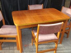 Dining Table & Chairs set, extending table with 6 chairs, good condition