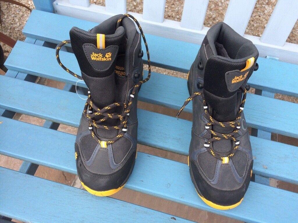 Jack Wolfskin walking boots,size 5, never worn, still as new. £20.