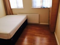 DOUBLE ROOM at Kingsbury High Street