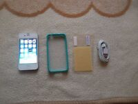 iphone 4, 8gb, white, on O2, giffgaff & tesco mobiles,