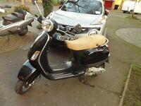 Piaggio Vespa LX125 Black