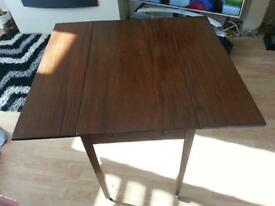 GEORGIAN PEMBROKE TABLE