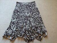 Ladies Wallis brown pattern skirt size 20