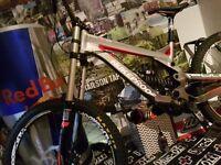 Nukeproof pulse comp downhill bike