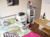 £170 / w - Single studio flat on Sinclair Road