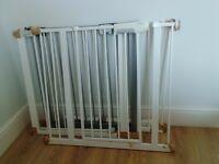 3 x pressure fit stair gate