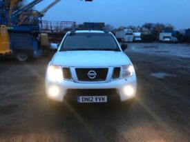 Nissan navara pick up in good condition leather interior