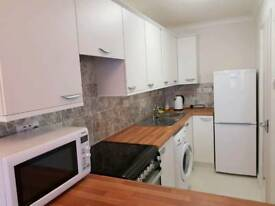2 Bedroom Refurbished Flat, Royal Wootton Bassett Nr Swindon To Let £695pm