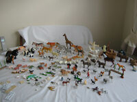 LARGE LOT OF ASSORTED ANIMALS APPROX 110 different sizes and some fences etc