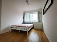 BRIGHT AIRY DOUBLE ROOM IN FLAT SHARE - E14 CANARY WHARF SINGLE OCCUPANT