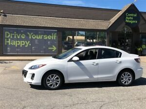2013 Mazda MAZDA3 GS-SKY / LEATHER / SUNROOF / HEATED SEATS