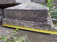 4 x stone pillar caps