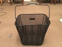 Cycle basket excellent condition.