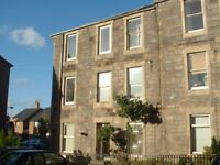 Bright & spacious unfurnished three bedroom upper flat situated in the popular town of Musselburgh.