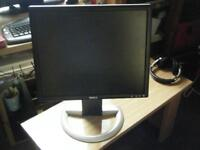 DELL 1905FP 19 INCH MONITOR IN GREAT COND