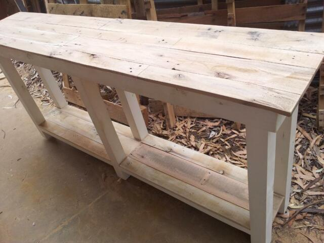 Custom kitchen pallet wood island bench or hall table for Gumtree beauty table