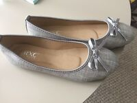 3 pairs of flat shoes