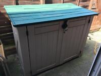 Storage shed (Keter)