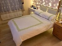 EXCELLENT METAL FRAME DOUBLE BED