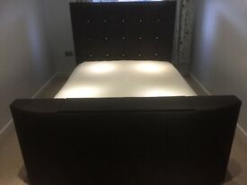 """King Size TV Bed incl 32"""" Samsung TV"""