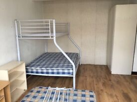 Double room to rent for one person