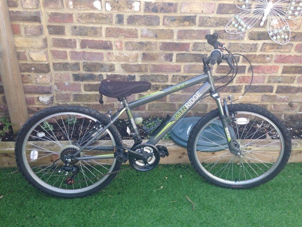 Boys Mountain Ridge Reef Bicycle 24 Wheels In Hove East Sussex