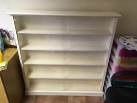 White wood display cabinet