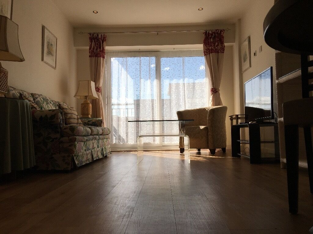 COLINDALE,HENDON,BEAUFORT PARK - LARGE 2 DOUBLE BED, 2 BATHROOM SITUATED ON 2ND FLOOR FLAT -
