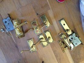 2 Pairs of Brass Door Handles & 2 Pairs of Brass Toilet Locks & Handles