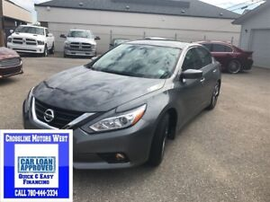 2017 Nissan Altima HEATED SEATS SUNROOF LOW KM APPLY TODAY