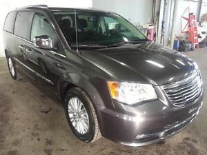 2015 Chrysler Town & Country Limited NAV CUIR DVD CAMERA RECUL 3