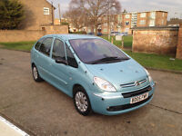 AUTOMATIC CITROEN PICCASO 2005 5 DOOR. FULL 1 YEAR MOT. SUPERB DRIVE. LADY OWNED. CHEAP BARGAIN