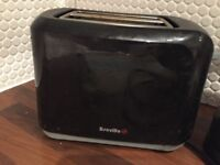 Chrome Toaster with matching chrome kettle (Breville)