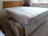 Double Bed w/headboard, mattress, 2drawers