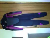 ladies full wetsuit size 8 brand new