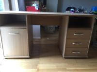 Large office/computer desk, really good condition. Comes in three pieces to move.