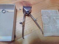 Retro hand shaver - in original box