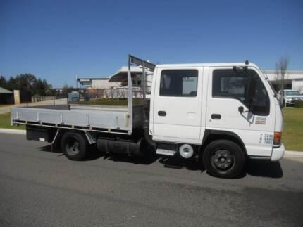 Isuzu NPR 250 Dualcab Traytop Truck on Car Liscence Welshpool Canning Area Preview