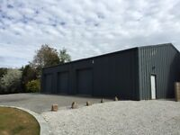 Garage to rent 3000 sq ft, perfect for storage, dry, insulated, serviced.
